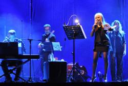 Лили Иванова излиза три пъти пред напълно разпродадени зали