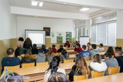 """Ученици от ПГТМ """"Христо Ботев"""" с проява по повод Международния ден без тютюнопушене"""