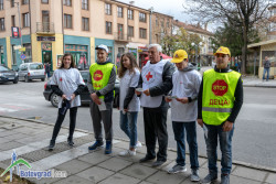 Съвместна акция на полиция, ученици, СБА, БЧК и Община Ботевград за безопасност на пътя