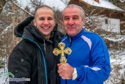 60-годишият Димитър Димитров извади Богоявленския кръст /снимки/