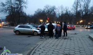 """Пътен инцидент при зала """"Георги Христов"""""""