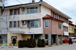 """Сградата на """"Вик Бебреш"""" да бъде отдадена под наем чрез търг, предлагат от общината"""