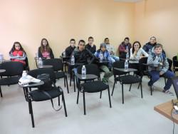 Ученици от гимназията в Златица посетиха сервизния център ProAuto в Етрополе