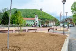 Завърши благоустрояването на площадното пространство във Врачеш – етап 1