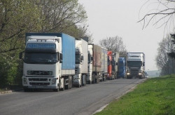Ограничават движението на камиони над 12 тона около празниците
