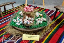 Изложба на великденски яйца, изписани с восък, е подредена в Исторически музей - Ботевград