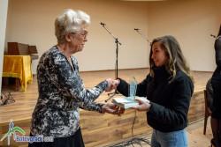 """Възпитаничка на ППМГ """"Акад. проф. д-р Асен Златаров"""" е на път да постави рекорд за най-много награди от литературни конкурси"""