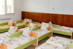 Поетапно ще бъдат подменени леглата и гардеробите в местните детски заведения