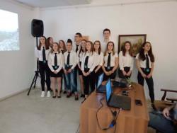 Гимназисти изнесоха открит урок за Велико Търново на английски език