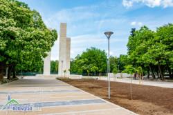 До края на месеца ще бъде готово пространството около мемориала в градския парк