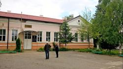 """Учители от ОУ """"Васил Левски"""" – с. Литаково – със становище за избор на временно изпълняващ длъжността """"директор"""" на училището"""