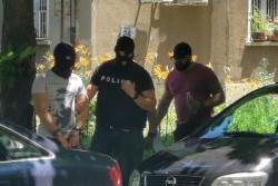 Колега натопил полицая с дрогата, тефтер издал сделките му