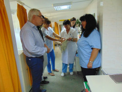 Общинският съветник Дамян Маринов с благотворителен жест към отделението по физиотерапия