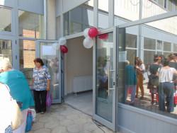 Кметът Гавалюгов преряза лентата на обновения комплекс за пенсионерските организации в община Ботевград