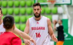 Николай Вангелов подписа с Балкан
