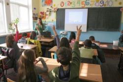 Учители не са съгласни да обикалят домовете на учениците