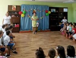 """С цветя, балони, музика и щастливи детски усмивки започна първият учебен ден в ДГ """"Синчец"""""""