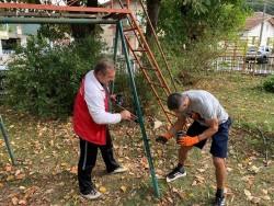 Кандидатите от листата на ПП МИР Ботевград стартираха кампанията с добри дела