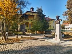 Знае се вече датата на откриване бюст-паметника на Павел Христов в Етрополе