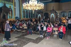 """На Въведение Богородично църквата """"Свето Възнесение Господне"""" се изпълни с деца"""