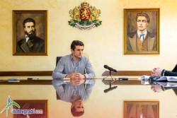 """Кметът Гавалюгов настоява МОН и РУО да извършат проверка по случая с предизборната агитация в ОУ """"Н. Й. Вапцаров"""""""