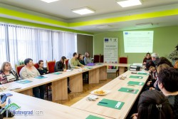 """Представиха проект """"Подай ръка"""" на откриваща пресконференция в Община Ботевград"""