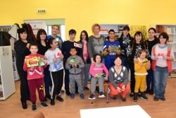 Деца от ДЦДМУ гостуваха на Творческа работилница за мартеници