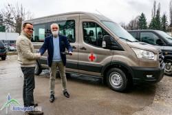 Чисто нов бус ще вози пациентите на отделението по хемодиализа в Ботевград