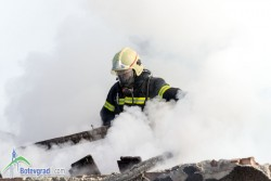 Откриха труп на мъж при гасене на пожар