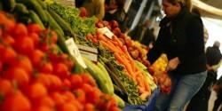 Въвеждат по-леки мерки за фермерите и работниците на пазарите