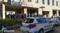 Безстрашни пенсионери окупираха пощата в Ботевград