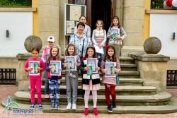 """Децата от кооператив """"Заедно"""" показват свои рисунки пред Исторически музей - Ботевград"""