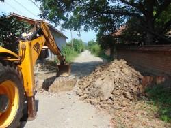 """Изграждат канализация и подменят водопровода по ул. """"Огоста"""" в Трудовец"""