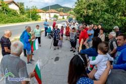 Земеделските производители в Новачене с протестно автошествие /допълнена/