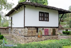 С изложба отбелязват 109 години от рождението на Тодор Живков