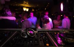 От днес, 23 октомври, по-малко посетители в дискотеките и нощните заведения