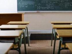 Учениците от 5 до 12 клас ще носят защитни маски или шлемове по време на учебните часове