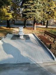 """Напълно обновена е обществената чешма в градинката на пл. """"Дико Илиев"""""""