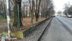 "Ремонтират оградата на ППМГ ""Акад. проф. д-р Асен Златаров"""