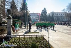 С издигане на трибагреника в Ботевград бе дадено начало на тържеството по случай Националния празник на България