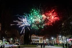 В Ботевград честването на Националния празник завърши с красива заря