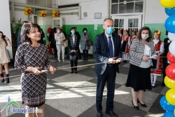 """Министър Вълчев откри STEM център в ОУ """"Н. Й. Вапцаров"""""""