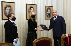 """Антоанета Стефанова върна на президента мандата на """"Има такъв народ"""""""