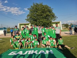 Децата н Балкан станаха областни шампиони по футбол