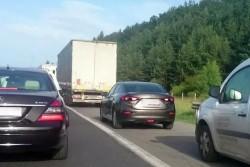 """12 водачи бяха санкционирани от ОДМВР - София за шофиране в аварийна лента на АМ """"Хемус"""""""