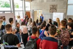 """Десетки посетиха откритата приемна на кампанията """"Работа в БГ туризма"""" в Ботевград"""