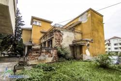 Изпълнението на проекта за бившия военен клуб в Ботевград е под въпрос