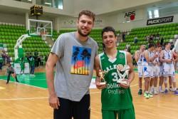 Александър Гавалюгов е MVP и топреализатор, Алекс Вeзенков му връчи отличията