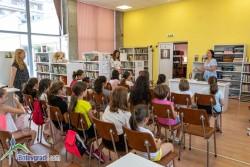 Писателката Диана Петрова днес гостува на малките си читатели в Ботевград