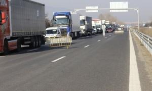 """На 25 и 26 юли се ограничава преминаването на автомобили над 12 т между 47-ми и 30-ти км на АМ """"Хемус"""" в посока София"""